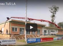 Sehen Sie sich das Video vom Sportheimbau an.